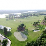 sân golf ecopark hà nội nằm tại trung tâm khu đô thị eocpark