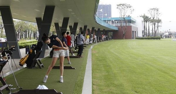 sân gôn 9 lỗ tại học viện gôn EGPA Ecopark